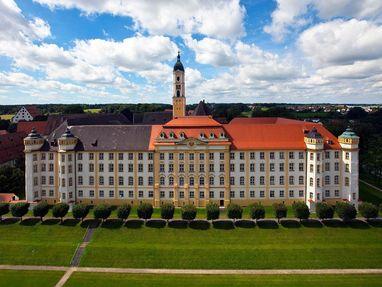 Kloster Ochsenhausen  von außen