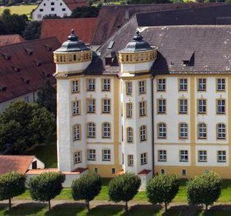 Die südlichen Türme von Kloster Ochsenhausen; Foto: Staatliche Schlösser und Gärten Baden-Württemberg, Achim Mende